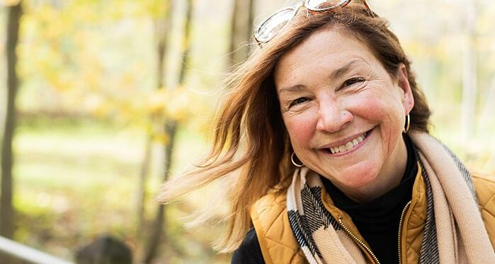 candid-portrait-of-lovely-healthy-authentic-middle-age-woman-enjoying-the-outdoors-in-autumn-genuine_t20_mRELG8 (1)