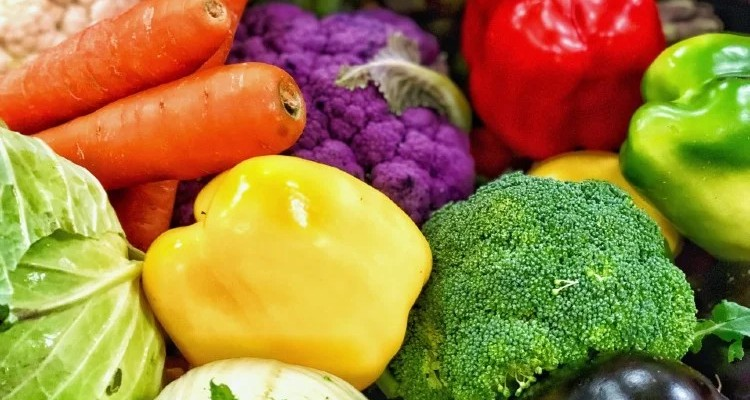 nominated-freshness-and-colorful-vegetables-thank-you-so-much-for-the-editor-s-pick_t20_2woe7v (1)-1